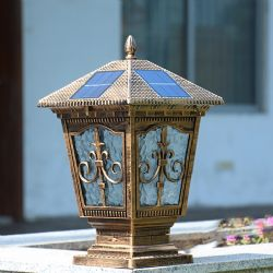 New Design 4W Outdoor Garden Gate Pillar Solar Light